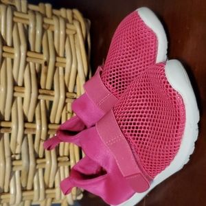 Toddler size 10 swimming shoes